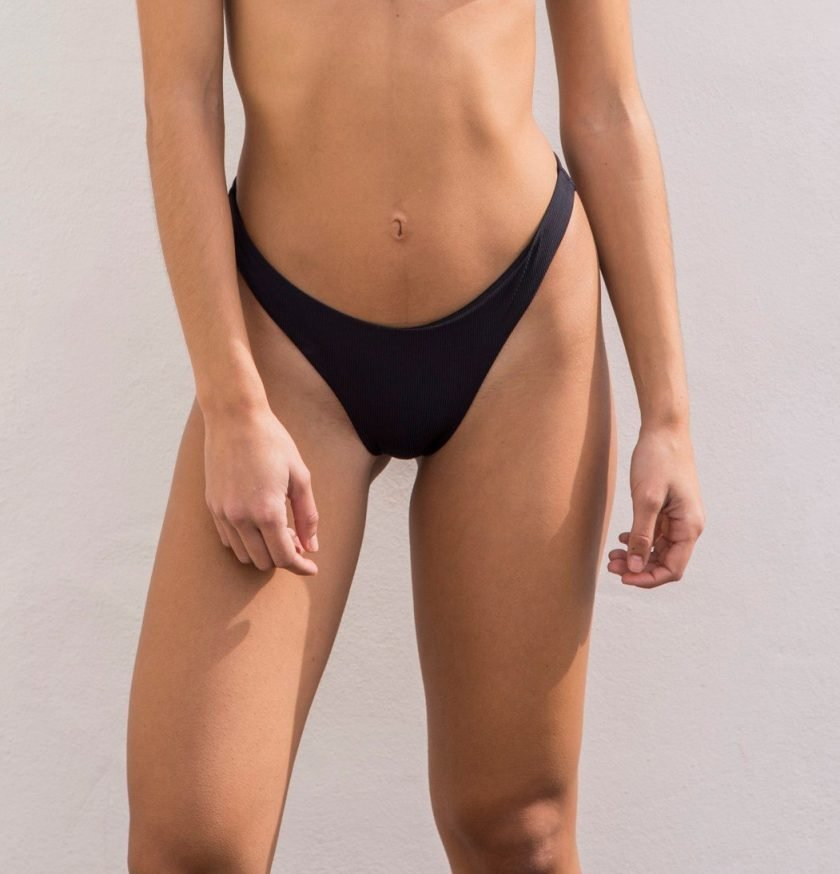 Bloom bottom - black ribbed - sustainable swimear